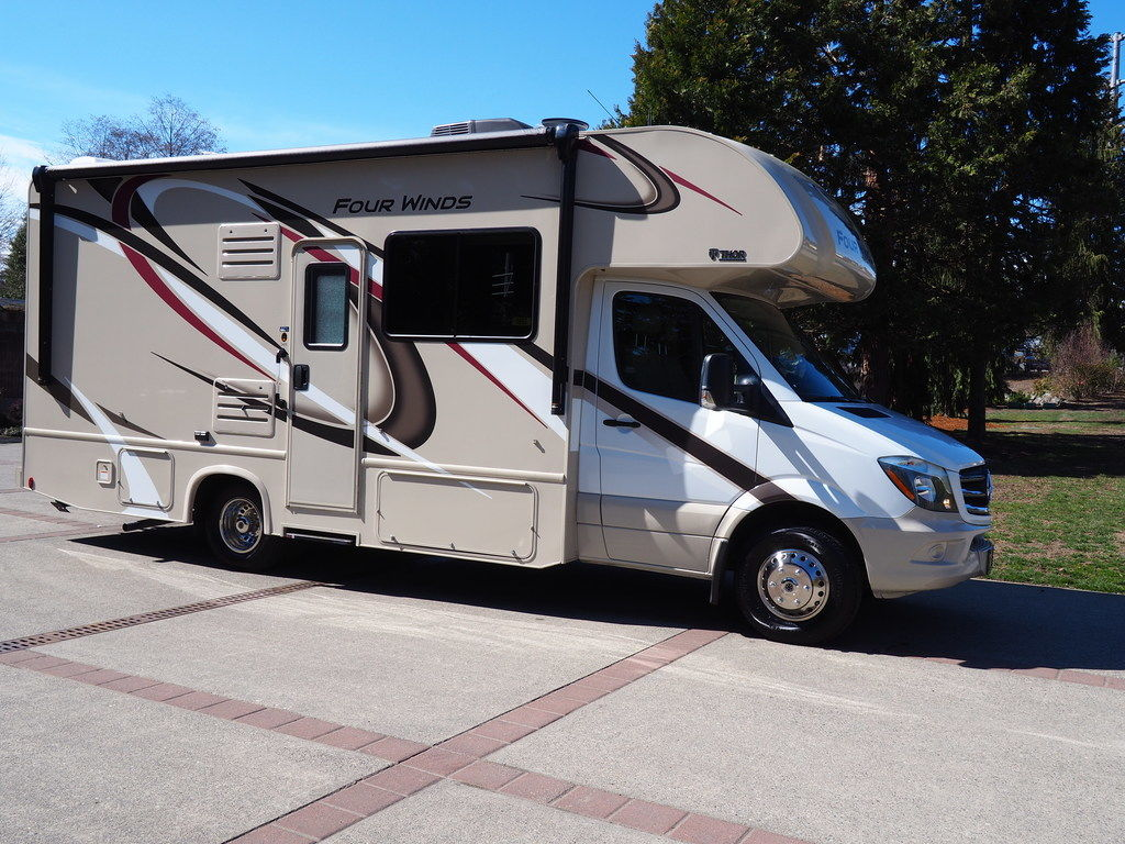 If You're Looking for Motorhomes for Rent in Stanwood, Visit Us Today