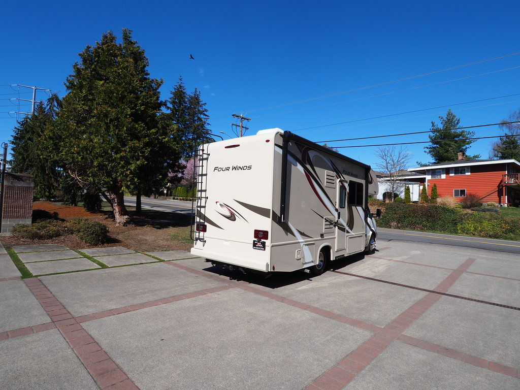 Make Traveling Convenient with Our Motorhomes for Rent Near Woodinville