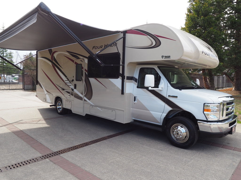 Upcoming Trip? Finding the Best RV Motorhomes for Rent in Renton